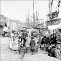 Marseille, une femme vend du poisson sur le Vieux Port, 1901